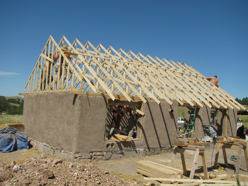 Help Build A Pallet House On Pine Ridge